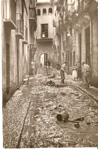 Riada 1957-Portal de Valldigna  Como quedó la calle después de la riada-Autor:CarmenSoto Ibañez