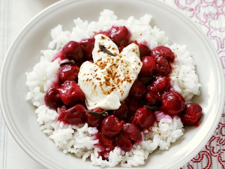 Ein Genuss: Milchreis mit Kirschen - smarter - Kalorien: 363 Kcal - Zeit: 1 Std.  | eatsmarter.de