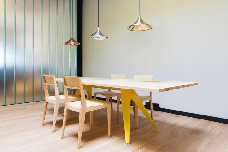 45 KILO | Busy Table
