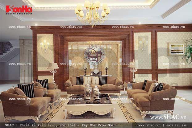 Không gian tiếp khách của phòng trưng bày đồ cổ sang trọng và lịch lãm