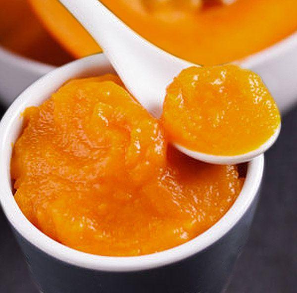 Como la calabaza ya es muy dulce, esta mermelada de calabaza se prepara con menos azúcar que otras mermeladas. Combina bien con quesos, bizcochos, yogur...