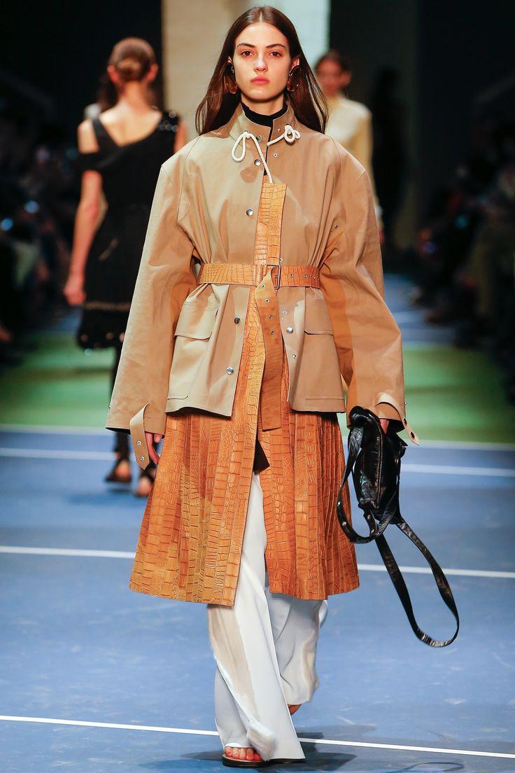 C�line Fall 2016 Ready-to-Wear Fashion Show