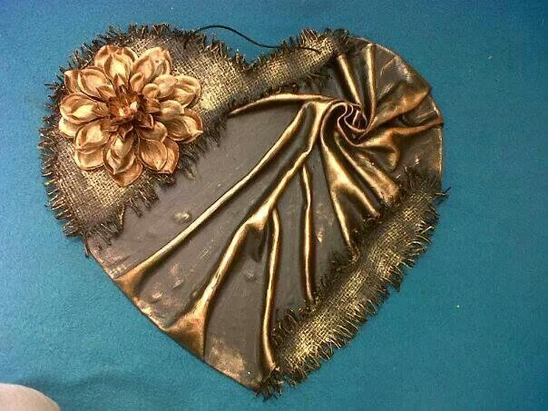 Tokreen heart-don't know what that is but like the idea of lame' and/or gold fabric!