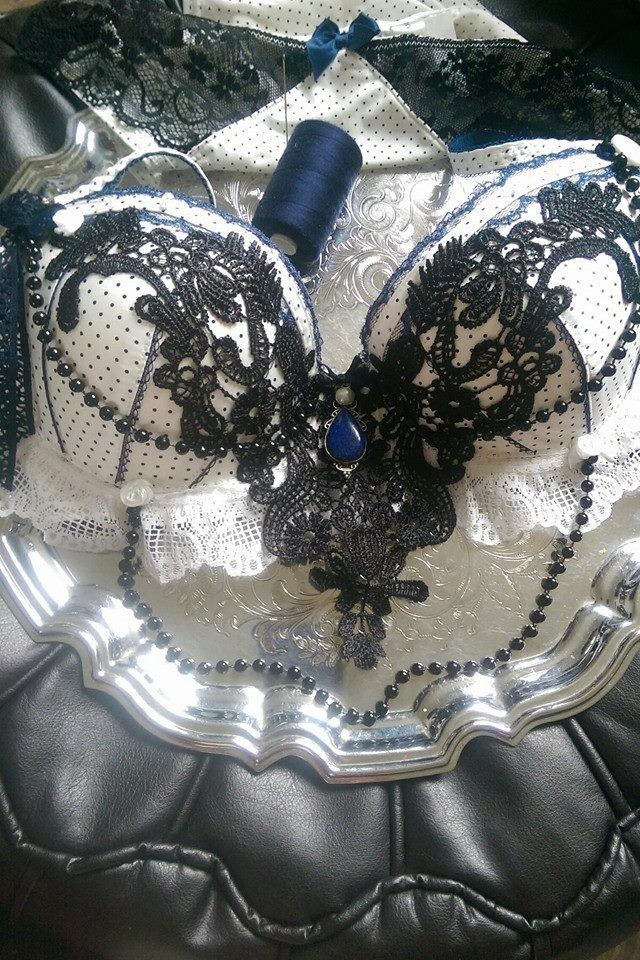 Embellishing a vintage style bra set for The Magpies River https://www.etsy.com/uk/shop/TheMagpiesRiver?ref=hdr_shop_menu