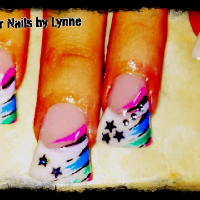 hate flared nails but like the design
