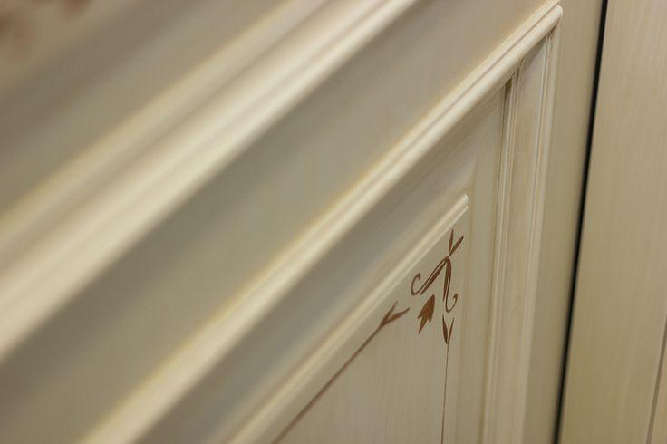 FBP porte | Collezione Lady - dettaglio decoro #porte #legno #interno #wooden #door #madeinitaly #baroccostyle