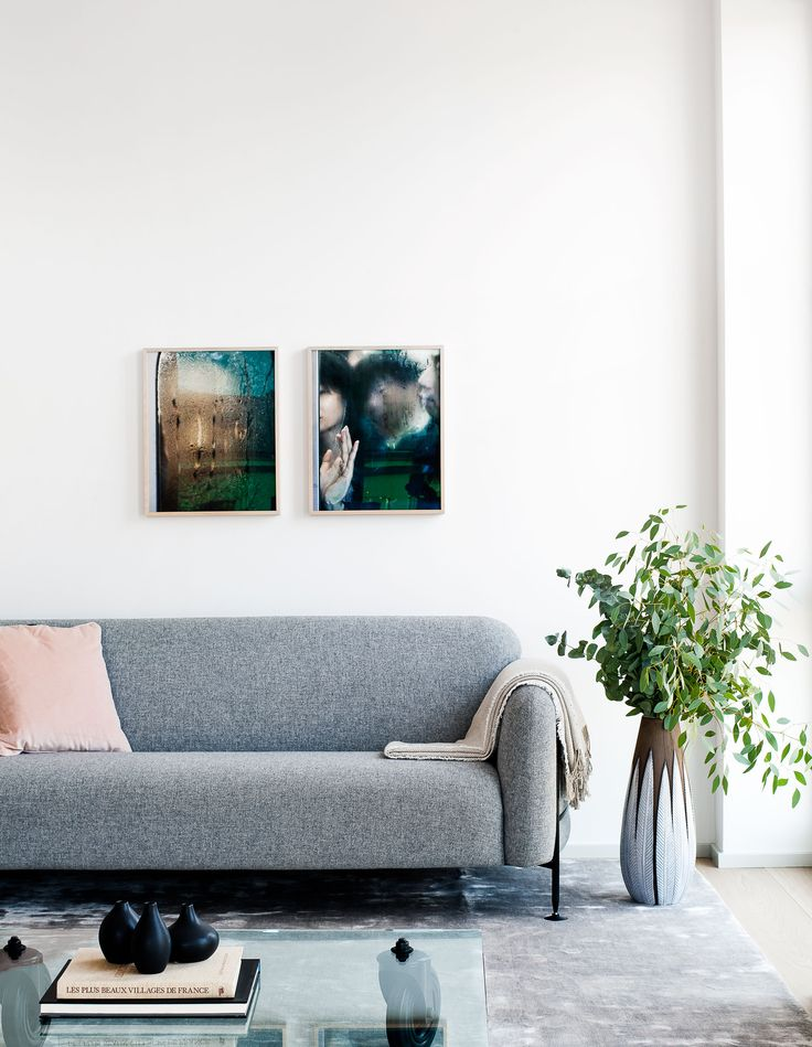 Oscar Properties: Lyceum Zootomiska #oscarproperties interior, design, architecture, inspiration, living room, flowers, pots, sofa, grey sofa, art