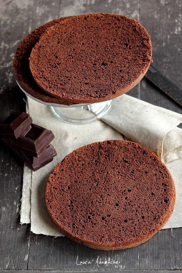 Tort de ciocolata si crema de lapte - foi de pandispan de ciocolata