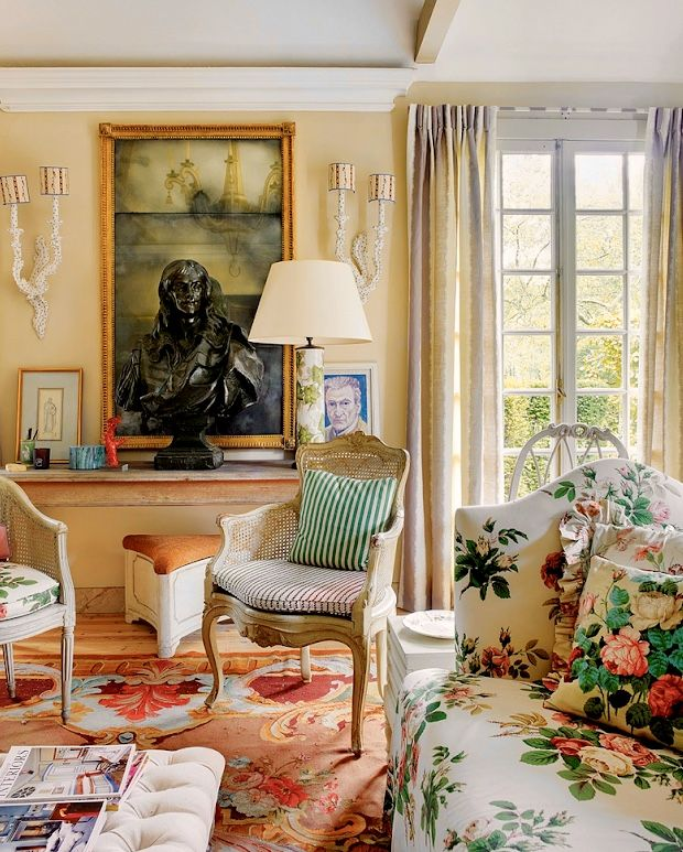 House Beautiful English Country Charm June 9 2019 Zsazsa Bellagio Like No Other Home Decor English Country Decor Small Living Rooms