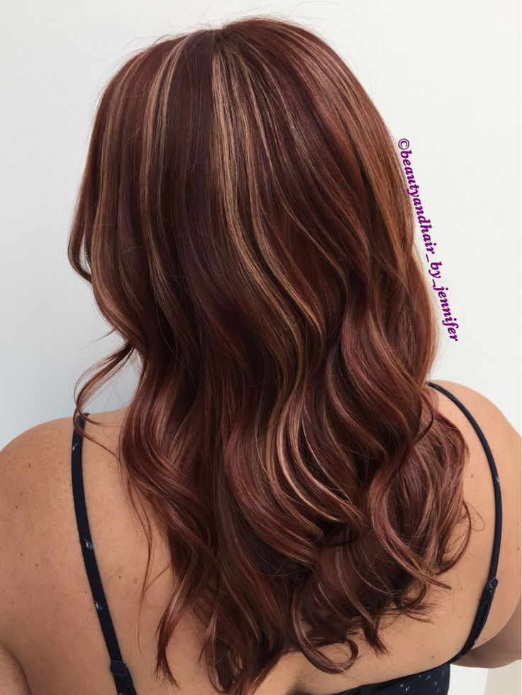 Red sangria and peach highlights