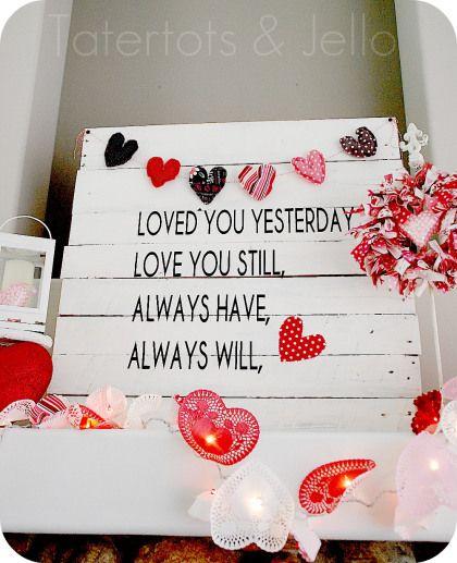 Easy Valentine's Day Pallet Art, garland and wreath mantel idea