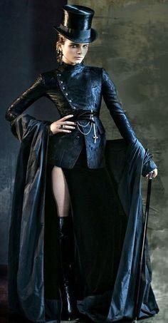 steampunk goddess / all black