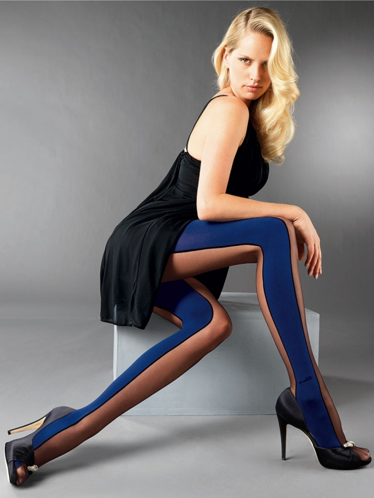 Blue nylons and blue pantyhose pics