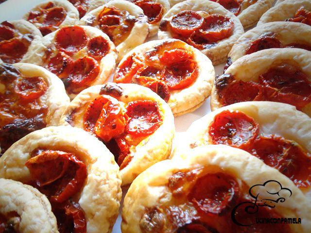 Pizzette con pomodorini confit