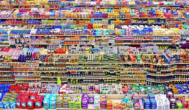 Andreas Gursky, 99 Cent, 1999,chromogenic color print, 207 x 337 cm�