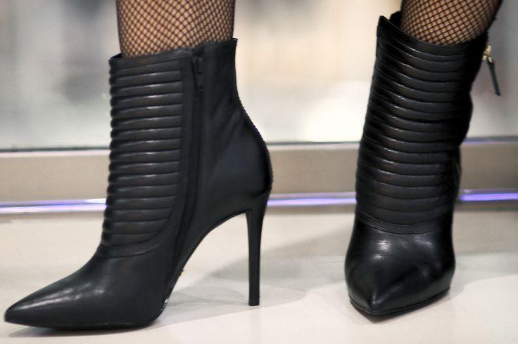 стильная обувь на каблуке с магазина Walker