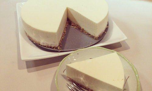 ヨーグルトと〇〇で作る奇跡の簡単スイーツ「レアチーズケーキ」