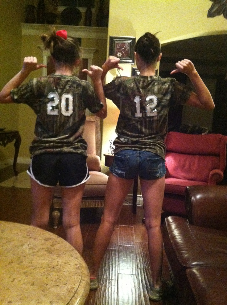 camo for twin day  Kortney Weldon   Homecoming WeekHomecoming IdeasDrama. 85 best twin day costumes  images on Pinterest