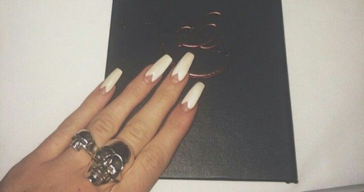 Kylie Jenner nails - WANT