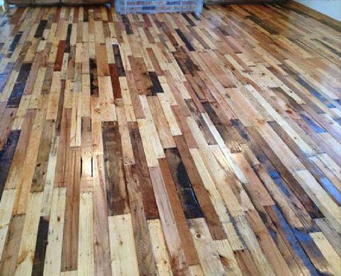 Pavimentar el suelo con tablas de palets
