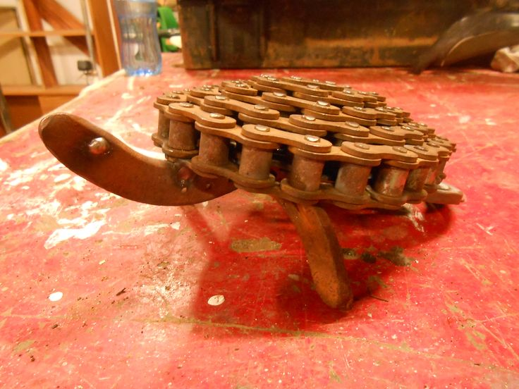 Turtle from bike chain and horseshoes.
