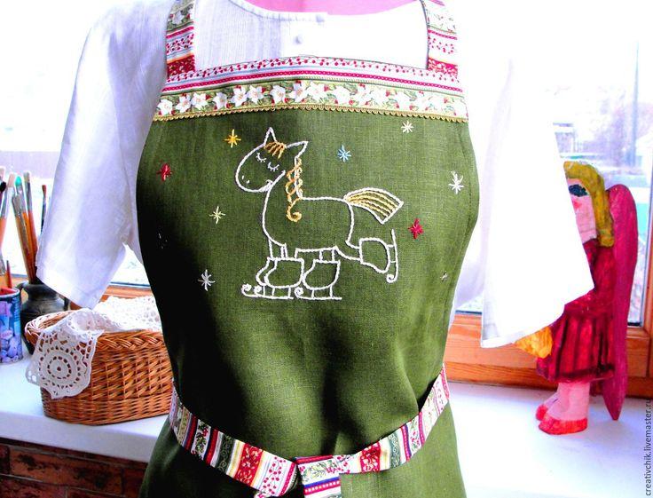 Купить Фартук Ура, скоро зима - тёмно-зелёный, фартук, фартук для кухни, фартук с вышивкой
