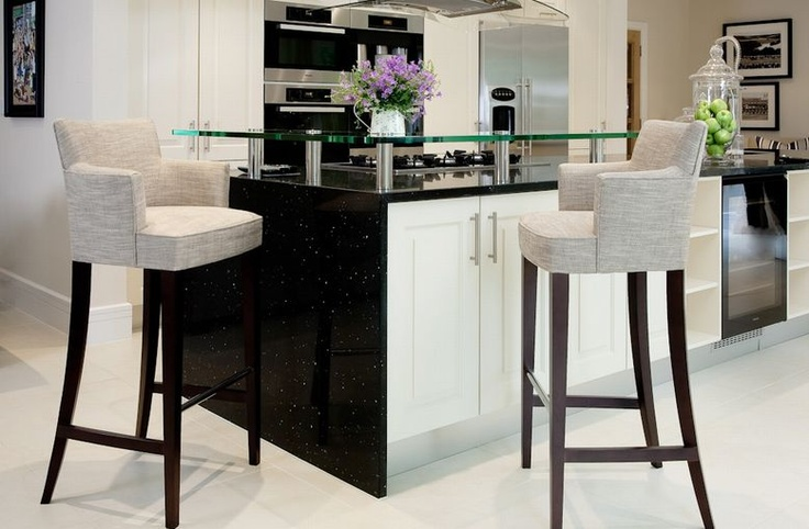 Stylish Breakfast Bar with Upholstered barstools