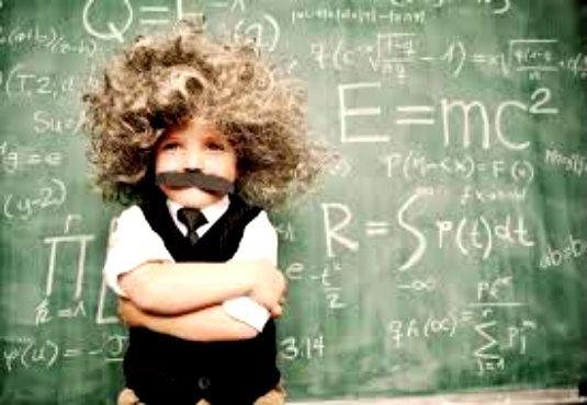 Tα έξυπνα παιδιά δεν γεννιούνται. Γίνονται! Aυτό, υποστηρίζουν σήμερα οι ερευνητές, που φέρνουν στο φως νέα δεδομένα για την λειτουργία και τις δυνατότητες εκμάθησης του παιδικού εγκεφάλου. Διαβάστε λοιπόν τι προτείνουν για να αυξήσετε την ευφυΐα των παιδιών σας και αναλάβετε… δράση.   Γράφει η Ρίτα  Βελώνη #children #kids #smart #education #brain  http://fractalart.gr/smart-children/