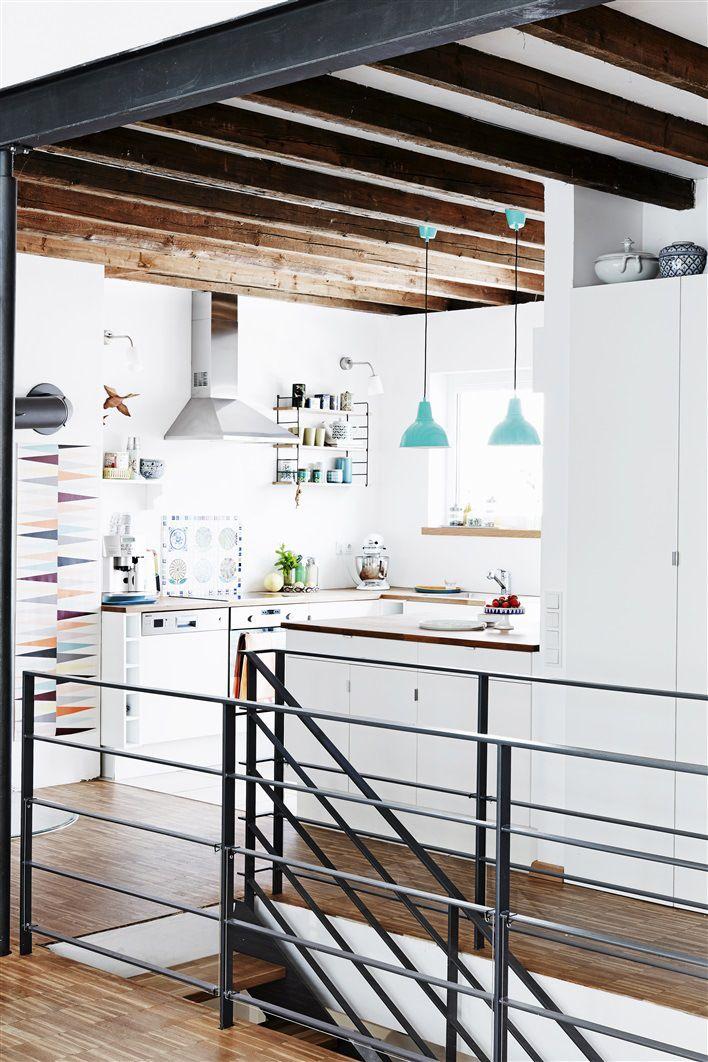 foorni.pl   Mieszkanie z recyklingu, biała kuchnia