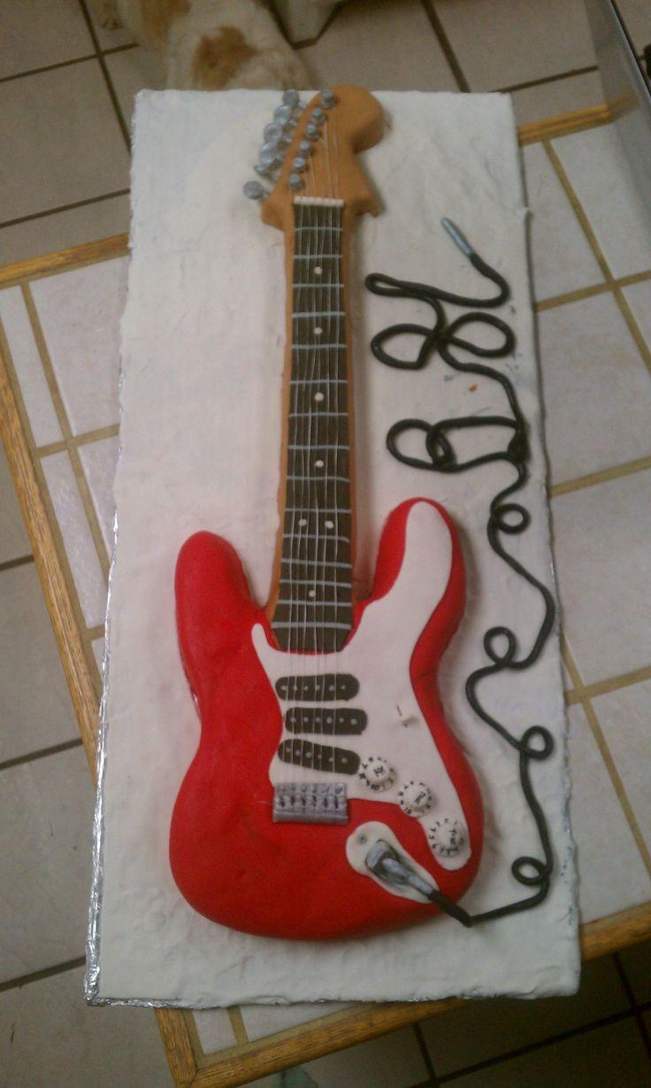 fender stratocaster guitar cake