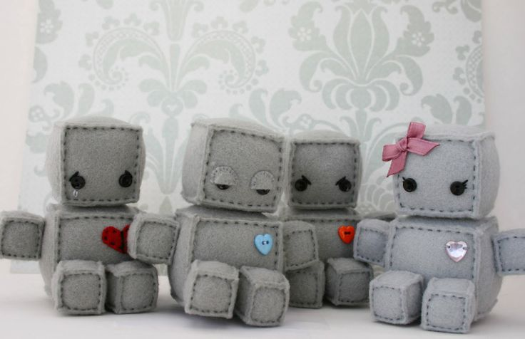 Plush felt robots! Wish there was a tutorial