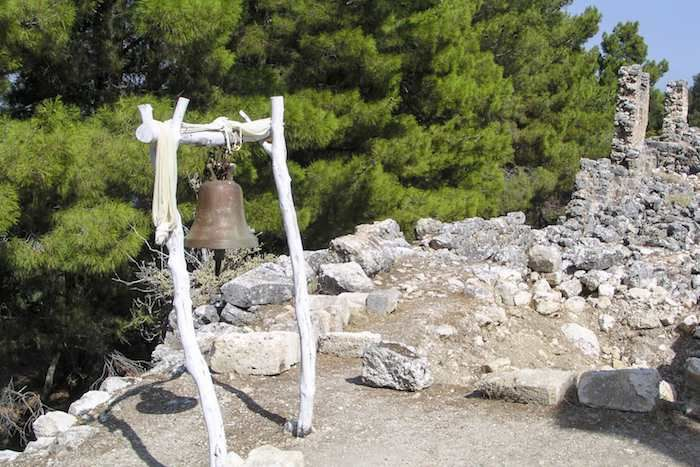 Our walk near Sami on Cephalonia takes you past the ruins of an ancient city