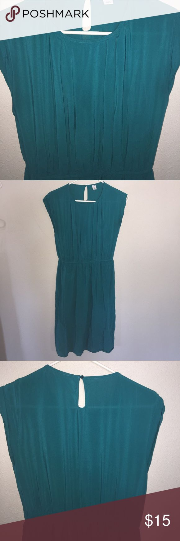 Teal modest dress for work or church Old Navy modest dress for family dinner, church or work. Soft like washed silk and lined skirt! Great condition please see pictures for details. Looks great with a belt and coral necklace! Tag says small but fits a medium great! Old Navy Dresses