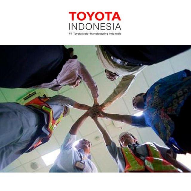 """""""We Make People before Me Make Product""""  adalah moto sukses TMMIN dalam membangun perusahaan yang berkelanjutan. Pentingnya meningkatkan daya saing produk lewat pengembangan Sumber Daya Manusia, membuat Toyota tak segan untuk berinvestasi. Dengan mendirikan Toyota Learning, yang bertugas memberikan pelatihan dan transfer ilmu kepada karyawan, demi terciptanya SDM berkualitas dan berkontribusi terhadap masyarakat #TMMIN #ToyotaIndonesia"""