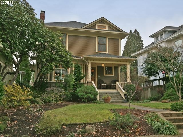 Love craftsman style homes in portland oregon craftsman for Portland craftsman homes