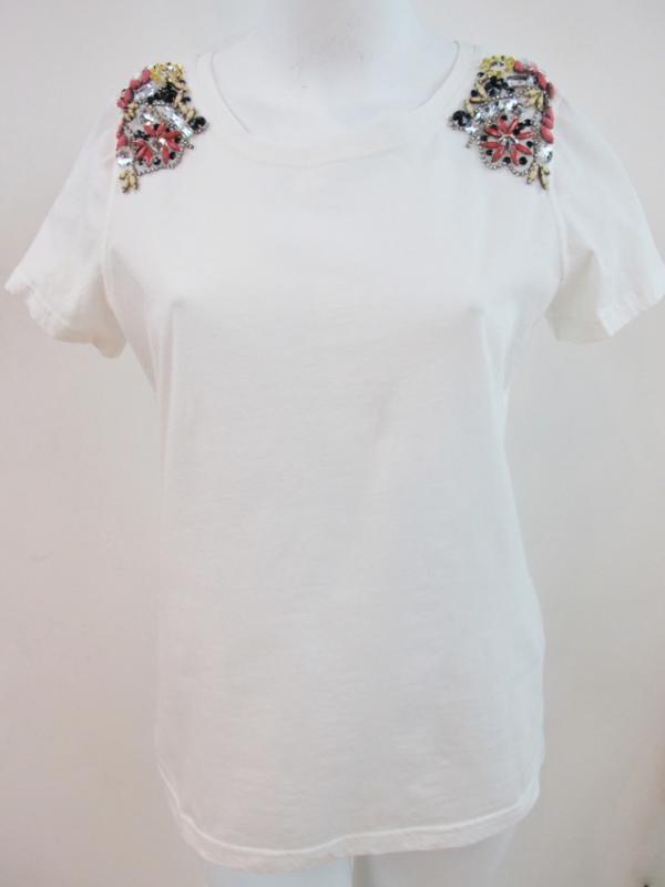 Camiseta con pedrería