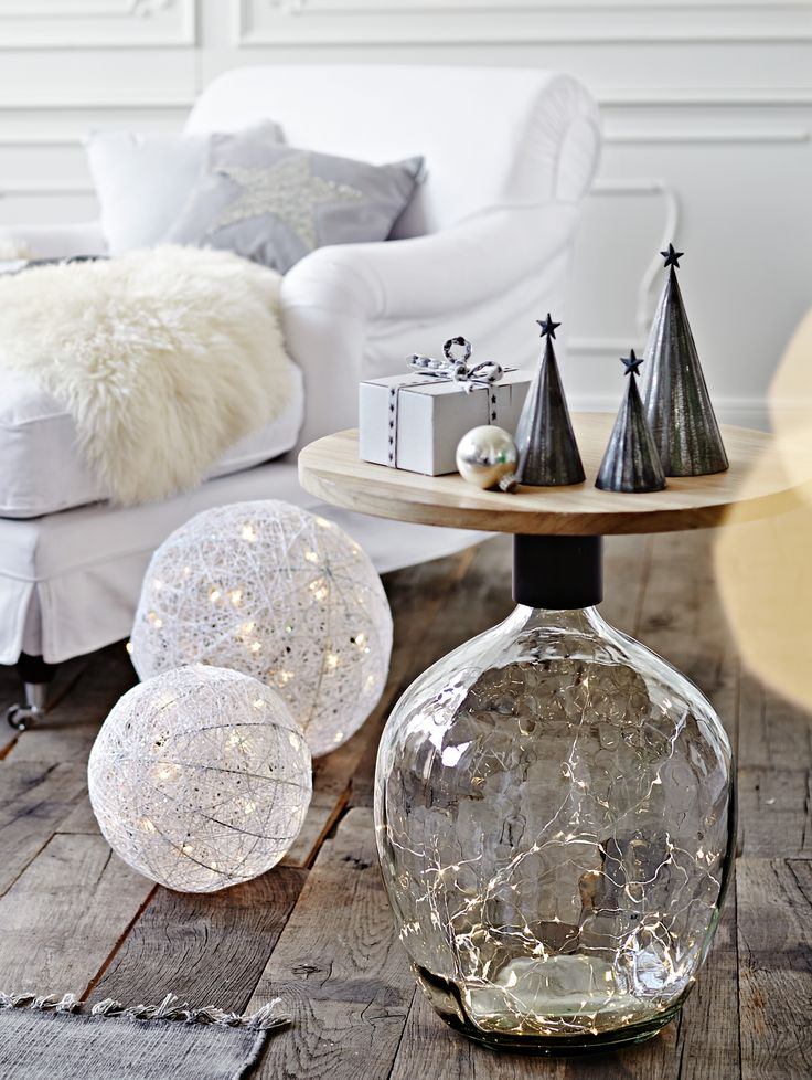 LED-Leuchte Ball, Lichtspiel mit 30 LED-Lämpchen, Dekoration, Winterstimmung.