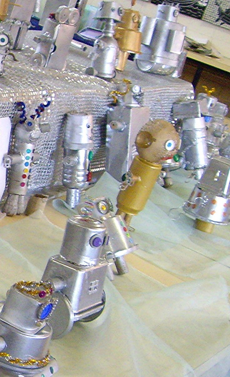 These junk sculptures were created by my grade 4 and 5 classes a couple of years ago using recycled materials.  Once  constructed the robots...