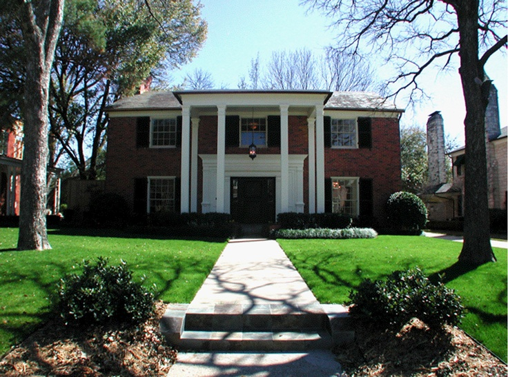 Tradition Home In Highland Park Dallas TX Went On A Horse Buggy Ride Around