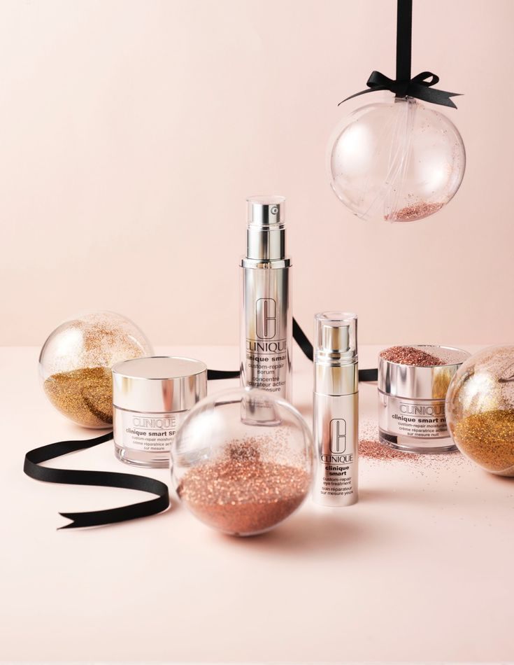 Beauty Werf in JAN Magazine Photography by Frank Brandwijk | 'Pink Gifts' 'Beauty' 'Clinique' 'Christmas' 'X-Mas'