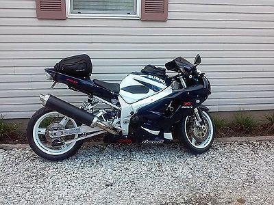 2002 Suzuki GSX-R motorcycle 02 gsxr 750 please retweet