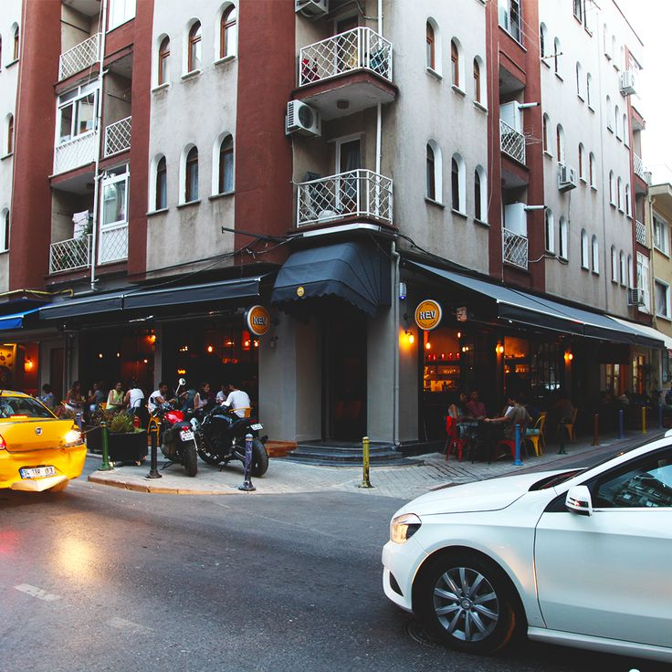 Weekend starting population. #KevCafe #Moda #Kadikoy #Istanbul