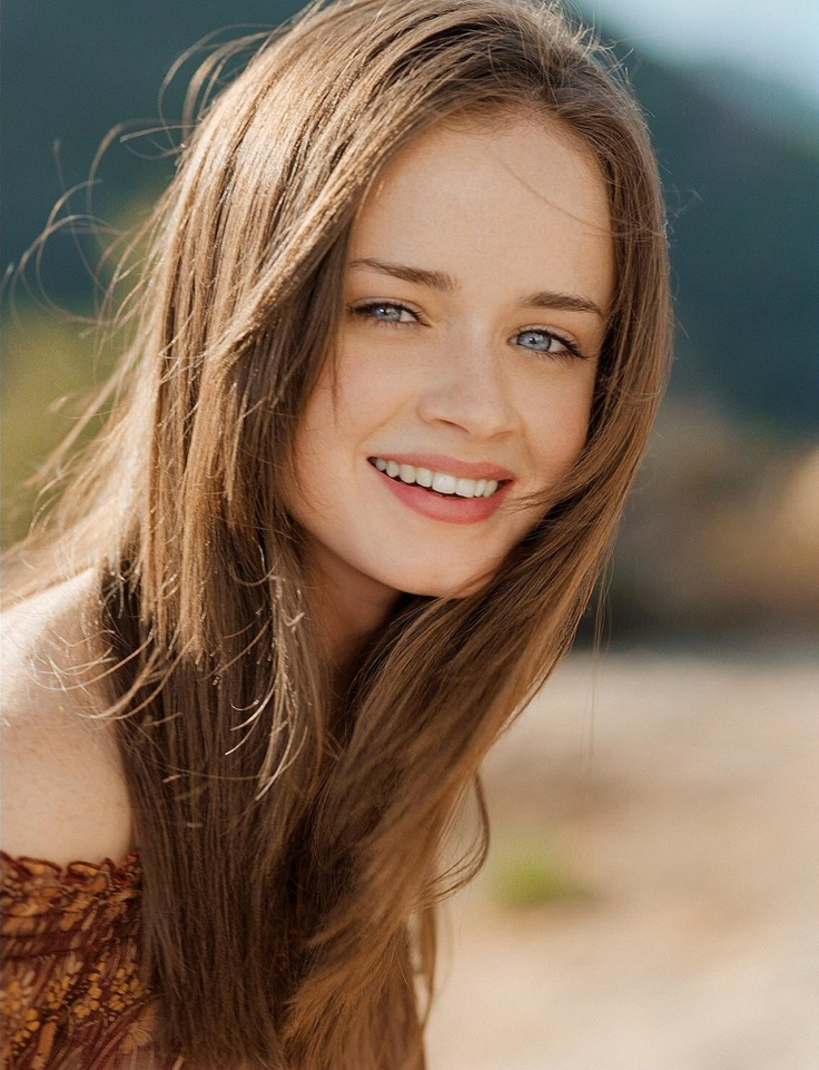 Alexis Bledel. Love her. Lover her hair
