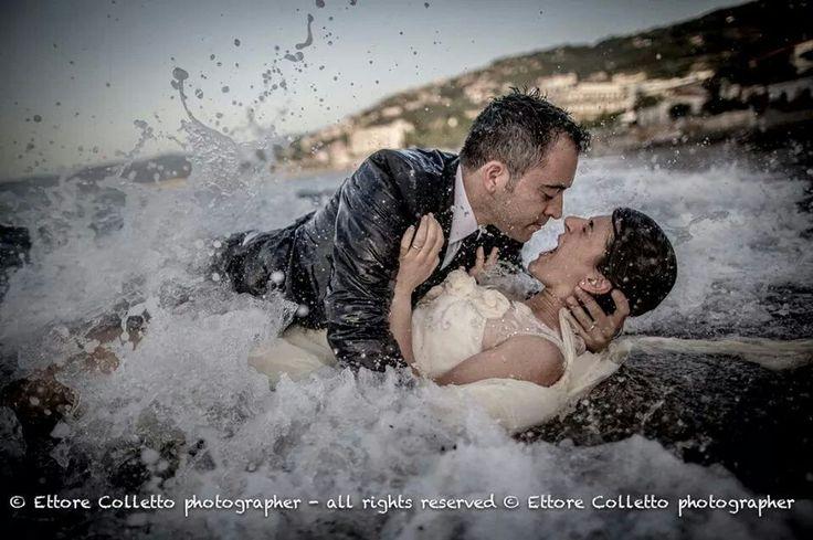 """""""I tuoiocchisono fonti, nelle cuisilenziose acqueserenesi specchia ilcielo. L'amoresi è abbattuto sulla mia anima, come i raggi del sole fanno aprire ipetali dei fiori. Laricchezzadel mio cuore è infinita come ilmare, così profondoil mioamore; più te ne do, più ne ho, perché entrambi sono infiniti.""""- WILLIAM SHAKESPEARE  Foto matrimonio 2014"""