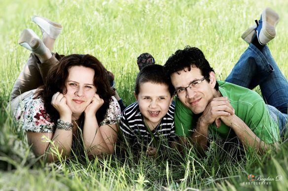 Doru, Diana si Patrick - the new groove More on: http://bogdandanphotography.wordpress.com/portrait/doru-diana-si-patrick-the-new-groove/