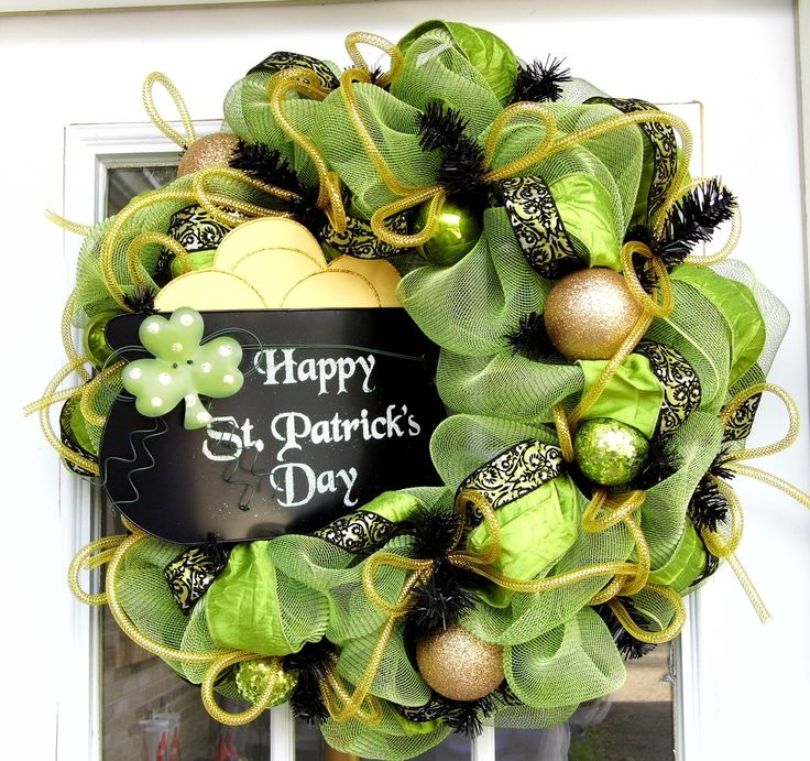 St. Patrick's Day Wreath Mesh Pot of Gold