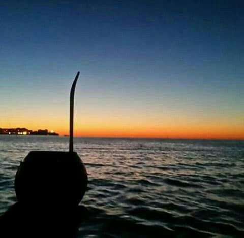 Mate..oceano..Costa Atlantica uruguaya...cielo y mar.. Mar cielo uno son...!!✅  sábado..8:50am..Hemiferio Sur..