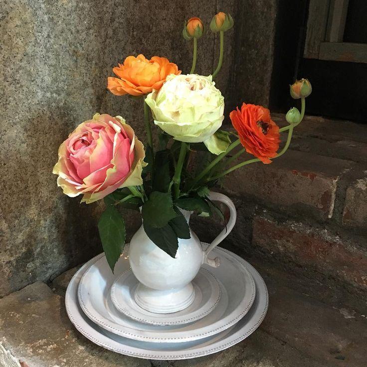 "71 Likes, 1 Comments - アッシュペーブチック (@boutique_kaigan) on Instagram: ""【RECOMMEND 】白い釉薬による豊かな立体感なフォルムと美しい影が印象的なASTIER de VILLATTEの水差しは花器にぴったりです。 #astierdevillatte…"""
