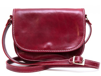 Red Men Handbags Italian Genuine Leather, 100% Made in Italy.  For info email us at marketing@shopsmart.it, visit our facebook page at http://www.facebook.com/BorsaDonnaUomoPelleVera, or our website at www.shopsmart.it.  We ship WORLDWIDE!