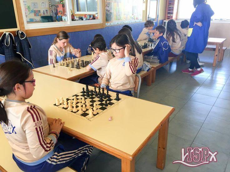 Más actividades del #EasterCampISP: clases de ajedrez  #CampusPascuaISP #Ajedrez colegiosisp.com  #InteligenciasMúltiplesISP